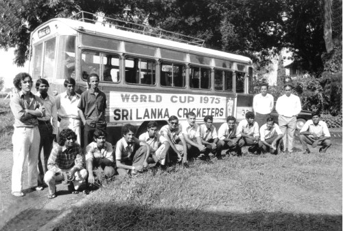 33-sl-team-and-bus-75