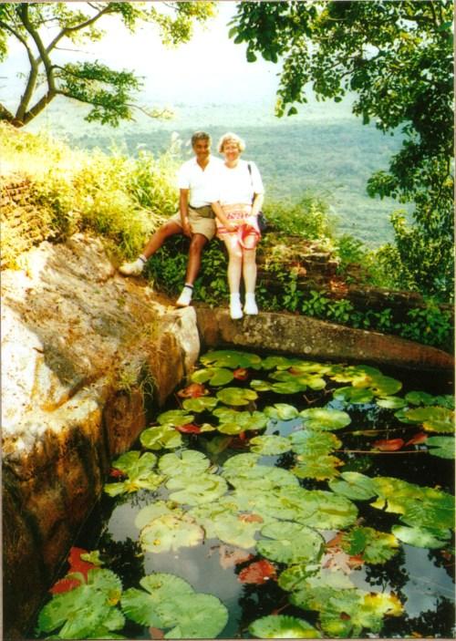 miikeshona-at-sigirya-pond