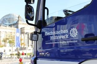 Neuer Gerätekraftwagen vor dem Reichstag