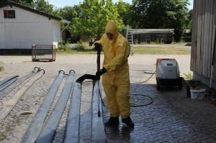 Desinfektion der Schläuche nach Hochwasser 2013