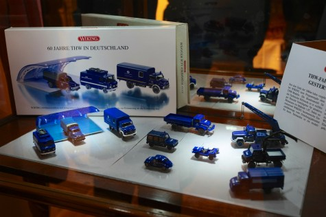 Zu den Ausstellungsstücken zählen auch viele Modelle. Foto: THW/Jan Holste