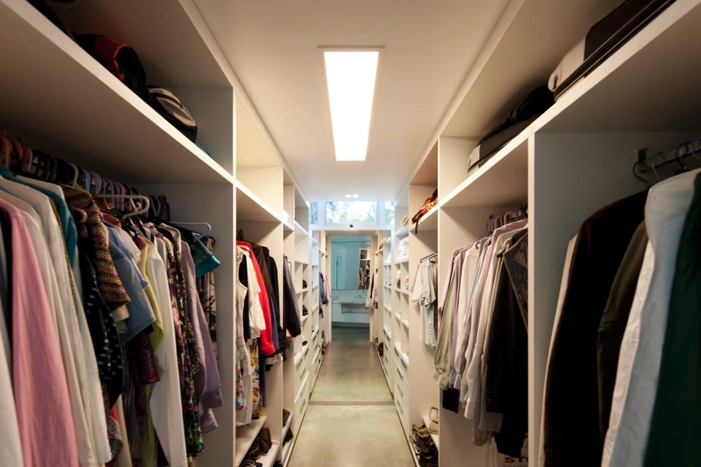 Lindo closet projetado pelo arquiteto João Diniz