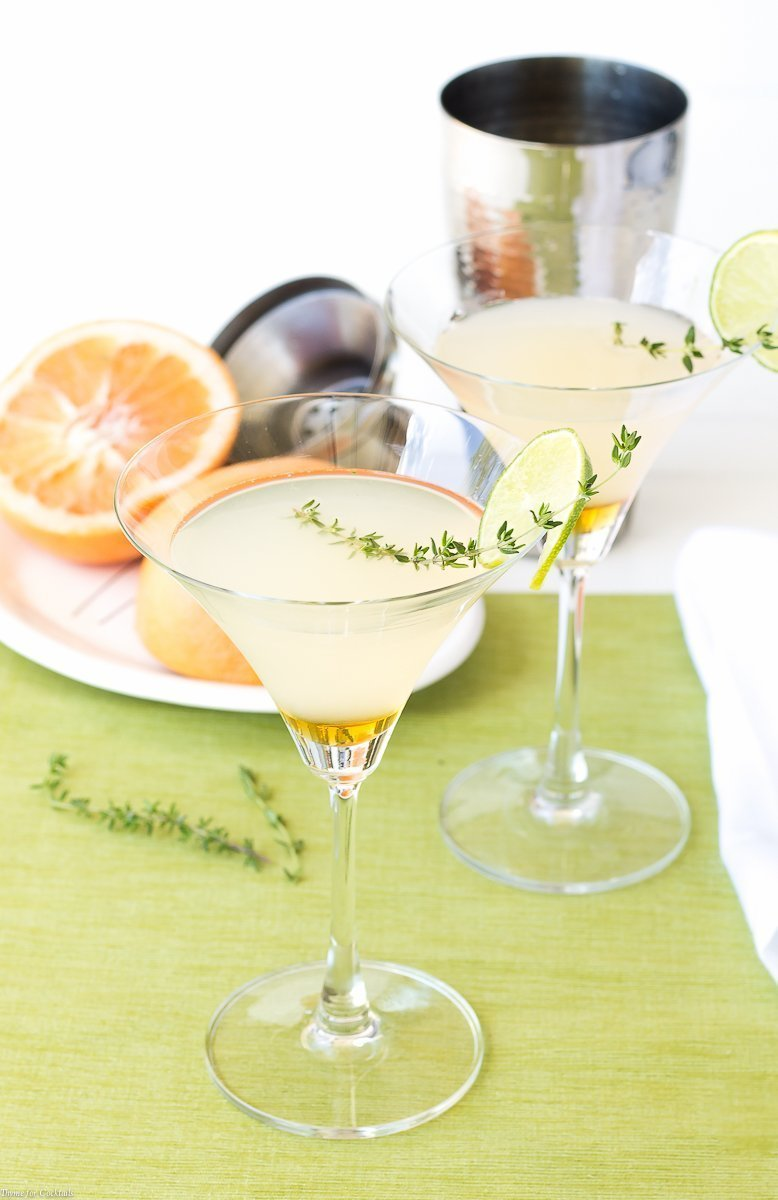 Honeyed Grapefruit Thyme Martini - Honey Thyme Simple Syrup - Honey Grapefruit Martini