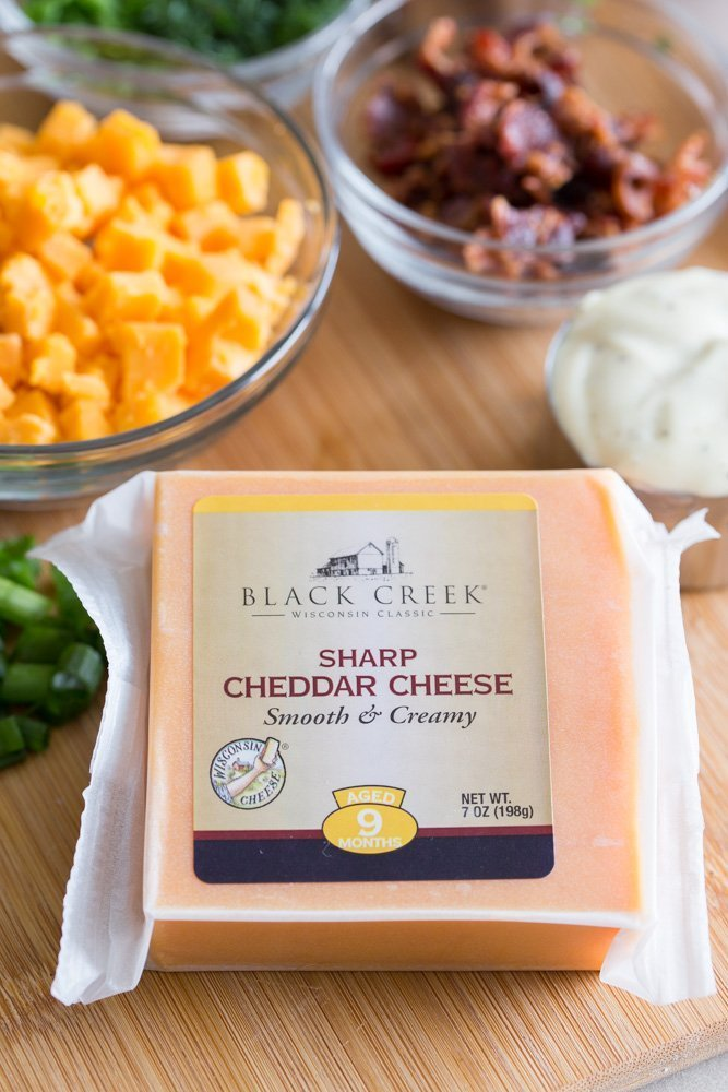 Black Creek® Sharp Cheddar (Aged 9 months) for Loaded Fried Chicken Pasta Salad