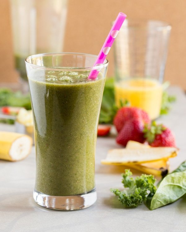 Have you been feeling sluggish and need to jump-start your system? Start your day by sipping on this non-dairy Iron-Boosting Green Smoothie full of healthy fruits, greens, and plenty of vitamin C.