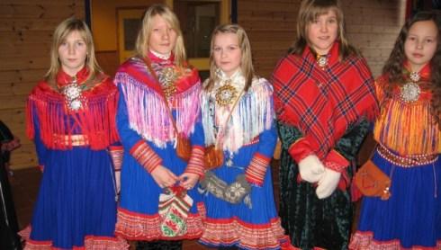 Sami girls in Sami costumes