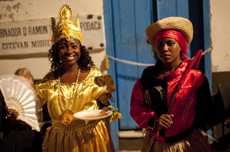 Oxum e Eleggua, guardiãs da ilha