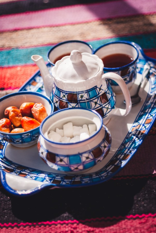 Tea for two in Kashan: tea, sugar and dates