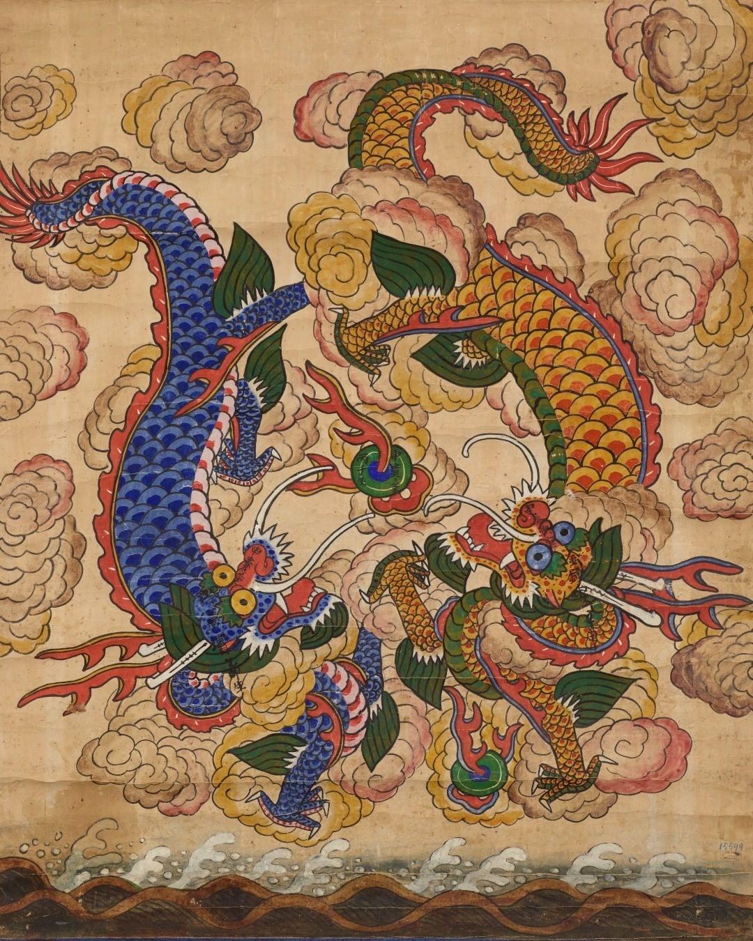 Deux dragons représentés dans les nuées, peinture à l'encre datant du 19e siècle