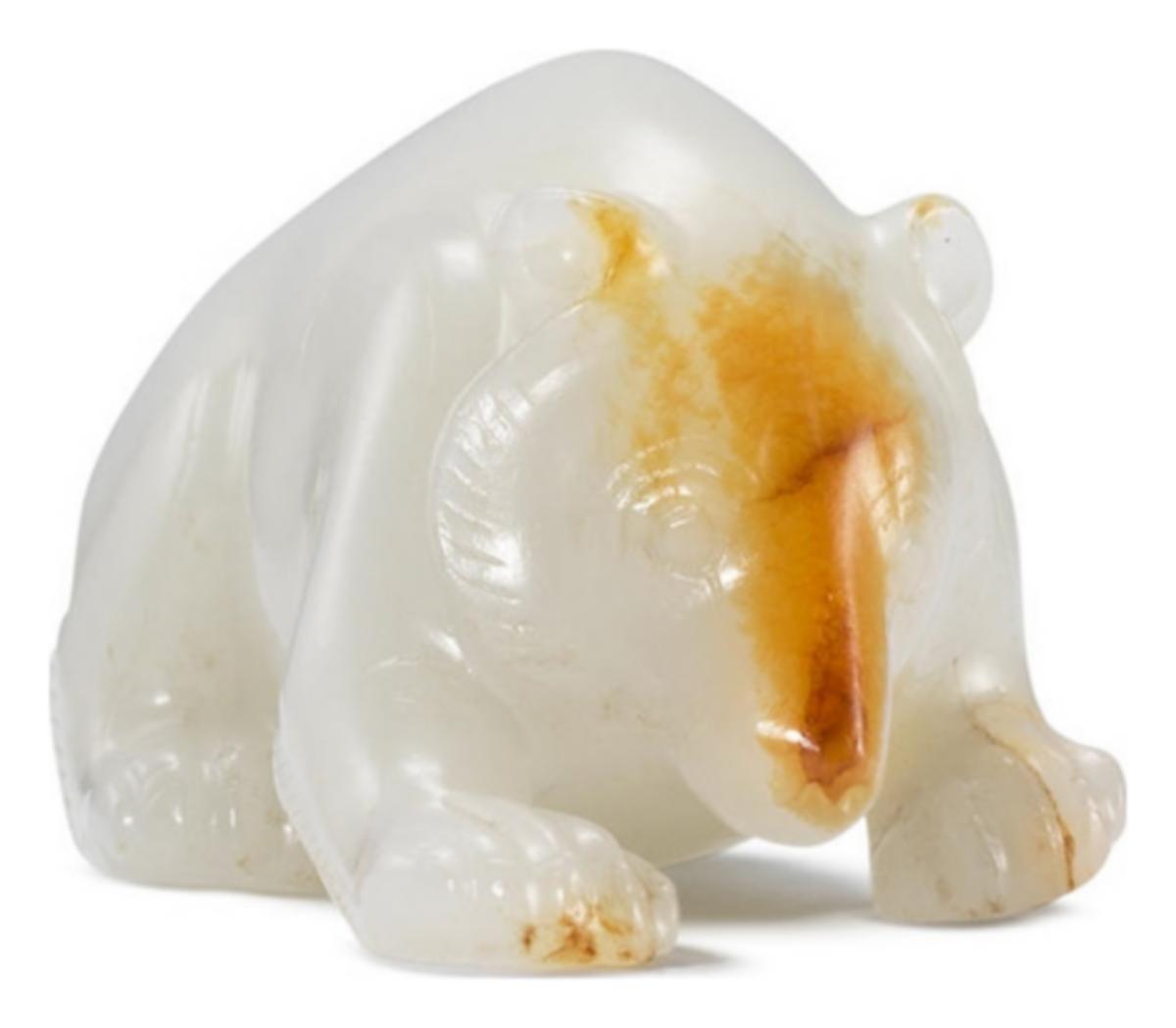 Ours en jade blanc et roux, dynastie des Han occidentaux