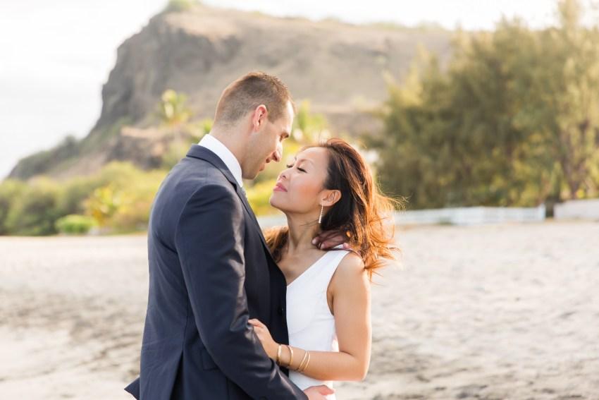 couple-iledelareunion-974-plage-tropical-shooting-seancephoto-trashthedress-photographe-saintpaul