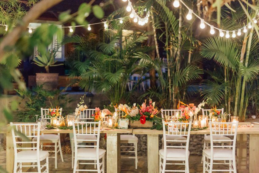 Décoration sur le thème tropical pour une mariage à la Réunion