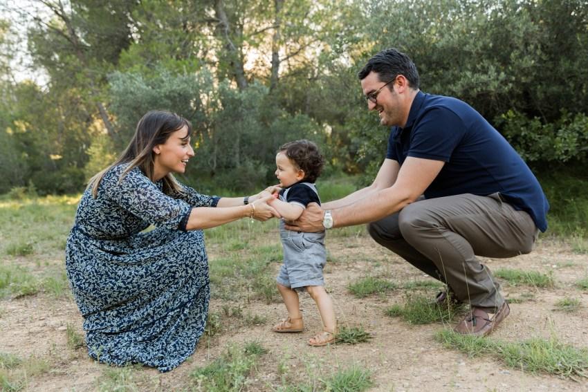 Séance photo de famille au coeur de la garrigues de Lunel