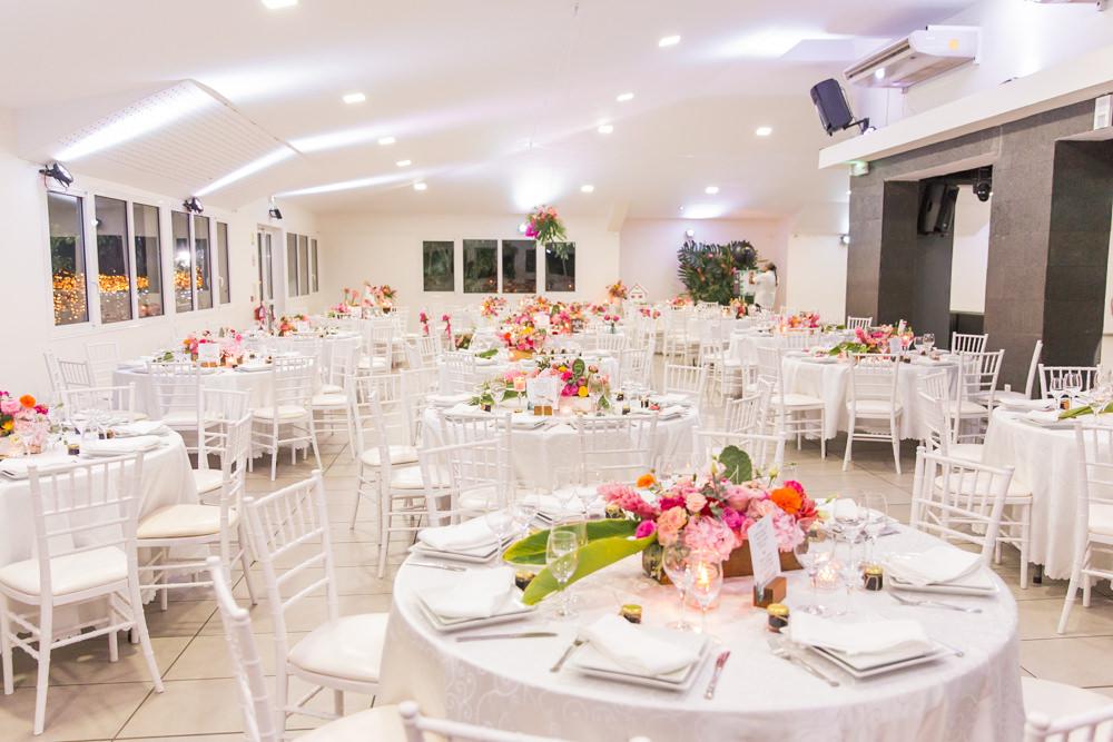 Décoration de mariage tropical au Jardin Créole de Sainte Suzanne