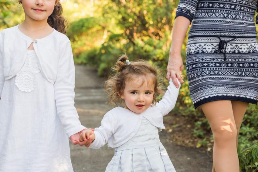 une petite fille lors d'un shooting famille