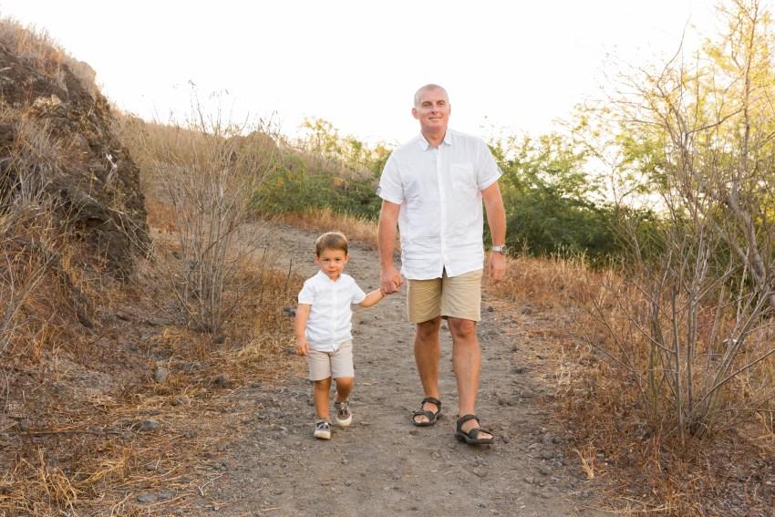 Un père et son fils lors d'une séance photo en famille à la Réunion