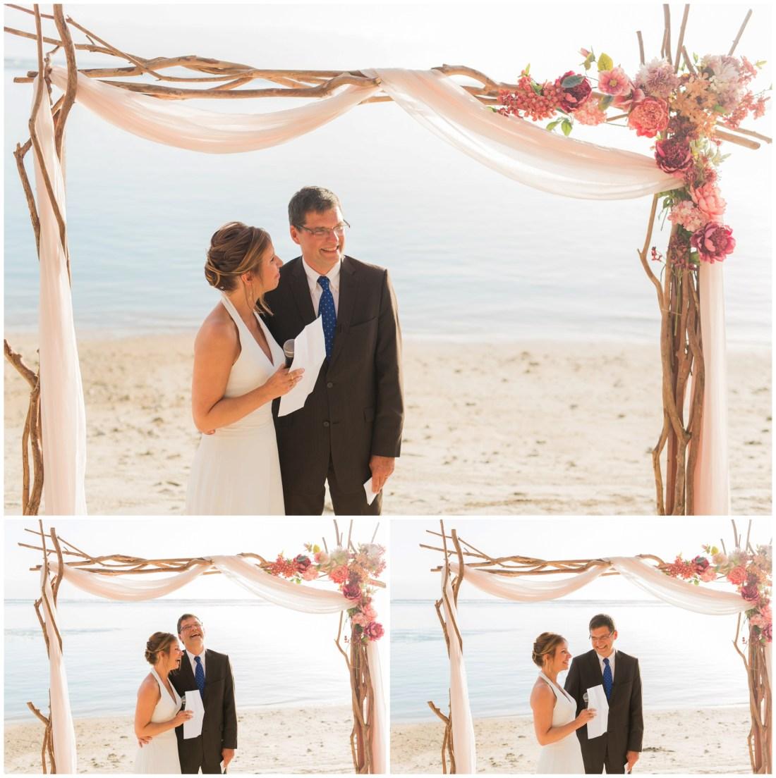 Cérémonie laïque sur une plage de la Réunion pour le renouvellement de voeux de 30 ans de mariage