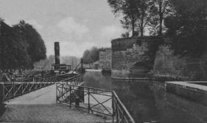 Bastion 5 koppen 1935  doorkijk op St. Pieterskade