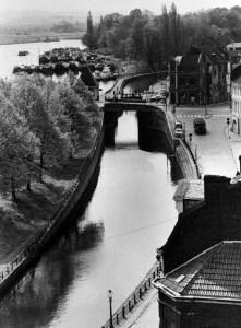 Kesselskade 1954 - kanaal en stadspark-2