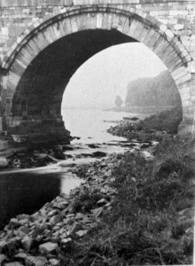 Lage waterstand bij maasbrug 1912