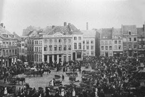 Markt 1900 toen nog niet doorgebroken voor Wilhelminabrug