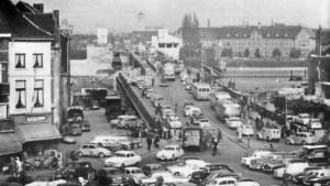 Markt oprit Wilheminabrug 1959