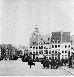 Markt sept.1901 Defilé voor Gen. staf