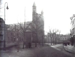 O.L. Vrouweplein 1920 met transform.huisje