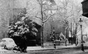 O.L. Vrouweplein nr. Graanmarkt winter ±1956
