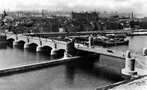 Wilhelminabrug 1939 gezien van Wijker kant