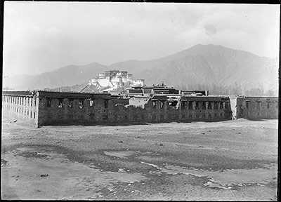 Tengyeling in ruins, Lhasa