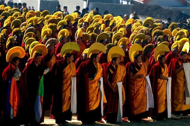 monks before monlam