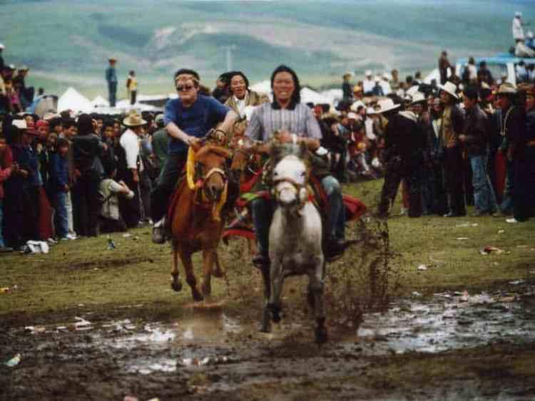 Litang horse racing