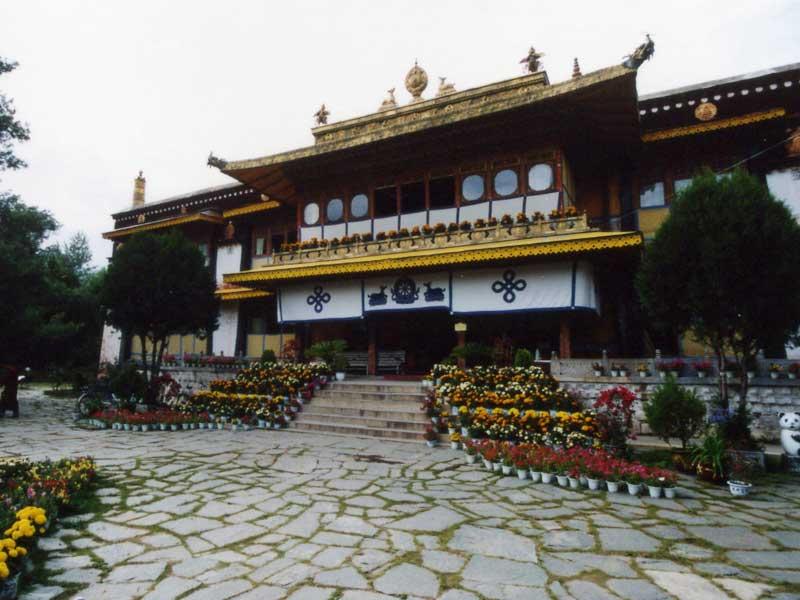 Norbulingka-main-hall