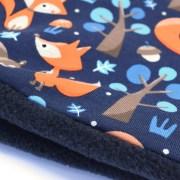 Cuello polar ideal para invierno, con divertido estampado de ardillas y zorros.