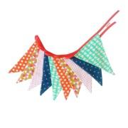Guirnalda decorativa en fucsia, rojo, verde y gris. Ideal para decorar un rincón con encanto.