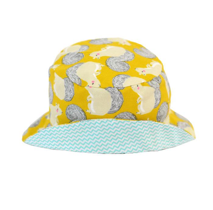 Con divertido estampado de · Gorro tipo pescador para proteger del sol a  niños y bebes. Con divertido estampado de ... 7826767620c