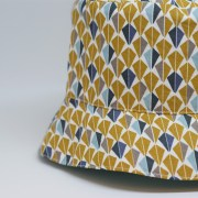 Gorra reversible tipo pescador, ideal para proteger del sol.