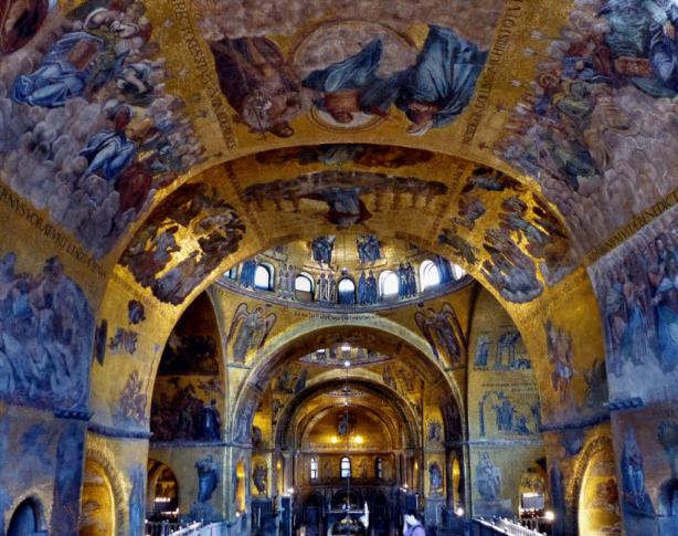 Iglesia San Marco indoor