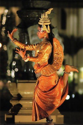 asian-dance-drama-cambodian-dancer