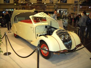 1936c_peugeot_402_eclipse