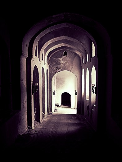 arches-and-doors-at-neemrana
