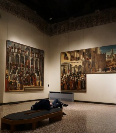 Gallerie dell'Accademia room with paintings