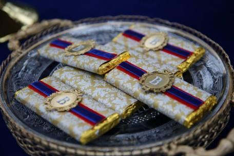 Snow White Party chocolates