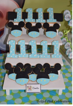 Baby Mickey Mouse 1st birthday party table-cookies