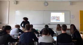 Préparation de la collecte au profit de lat'elier musique solidaire TIDAWT par les élèves de première du lycée Saint Charles à Chalon s/Saône