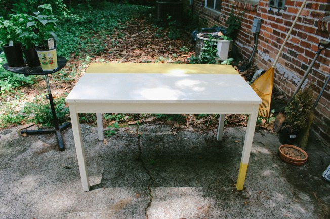 patio-table-diy-spraypaint-1