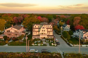 the tides beach club fall color therapy stay package kennebunkport maine resort collection hotel