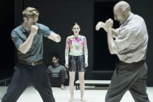 4_Luke_Norris_Emun_Elliott_Phoebe_Fox_and_Mark_Strong_in_A_View_from_the_Bridge__AVFTB-10--Jan-Versweyveld