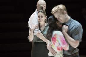 6_Mark_Strong_Nicola_Walker_Phoebe_Fox_Luke_Norris_in_A_View_from_the_Bridge-1--Jan-Versweyveld